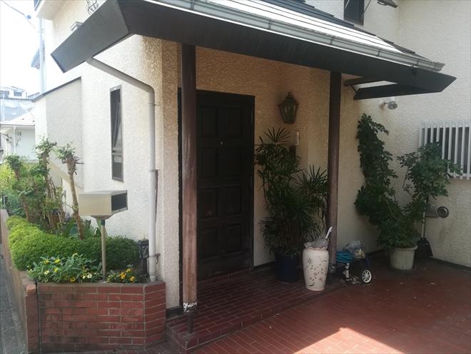 玄関ドア・支柱(塗装前)