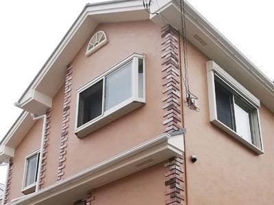 小田原市中曽根にて築15年になるお住まい、スレート屋根にはサーモアイSiを、モルタル外壁にはパーフェクトトップで塗装工事を行いました、施工後写真