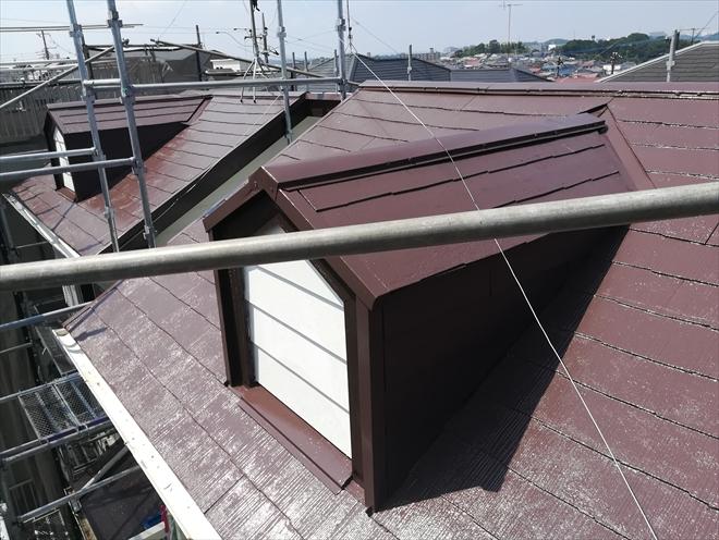 横浜市緑区鴨居にてファイン4Fベスト「ナポリブラウン」にて屋根塗装