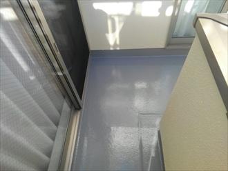 問題のないバルコニー床もトップコートでメンテナンスが必要|横浜市磯子区