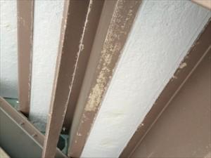 階段鉄部塗膜剥がれ②拡大