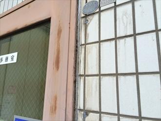 相模原市南区工場の扉や手摺などの鉄部を塗装でメンテナンス