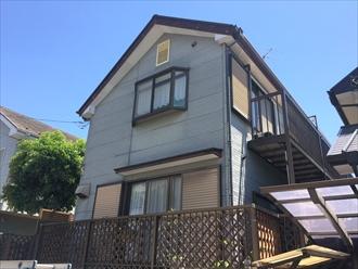 傷んできた屋根と外壁にパーフェクトシリーズで塗装|横浜市神奈川区、施工前写真