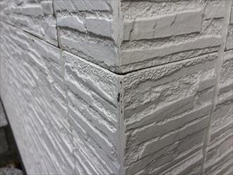茅ヶ崎市築10年の塗り替え調査でシールとサイディングの劣化