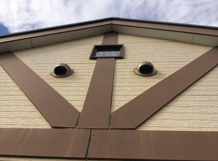 横浜市南区で外壁調査、上から覗くと分かる幕板の傷み1