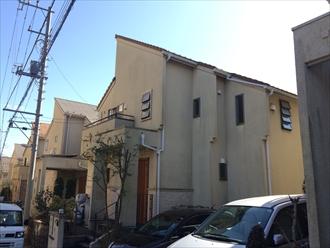 横浜市港南区築10年のリシン吹付けモルタル壁を塗り替え、施工前写真