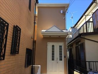 横浜市戸塚区の屋根外壁塗装、サーモアイSi(クールシルバーアッシュ)とパーフェクトトップ(ND-343)の組み合わせ、施工後写真
