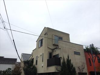 藤沢市で3階建て築10年のリシン吹付けモルタル壁を調査