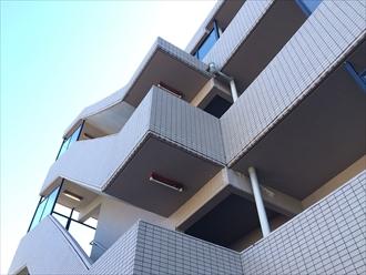 横浜市南区でマンションのメンテナンスを目的とした調査、床の防水やドレンまわりも要注意2