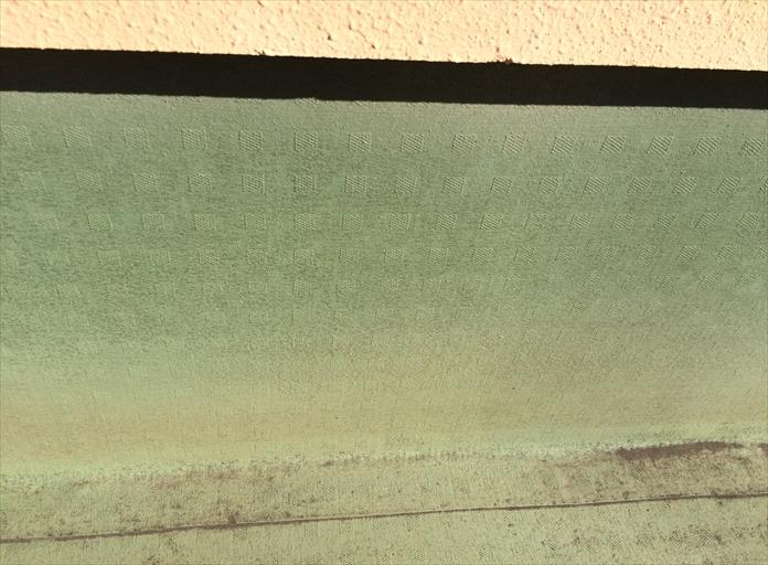 横浜市緑区で陸屋根のトップコート塗装、塩ビシート防水面のメンテナンス1