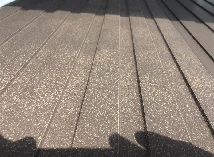 横浜市都筑区の外壁調査、近くで見て初めて分かる窯業系サイディングの傷み3
