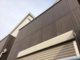横浜市都筑区の外壁調査、近くで見て初めて分かる窯業系サイディングの傷み2