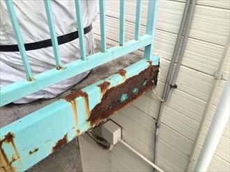 アパートの鉄骨階段もメンテナンスで塗装が必要|横浜市西区