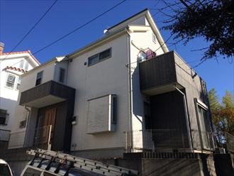 横浜市戸塚区原宿でスレート屋根と窯業系サイディング外壁のメンテナンス、サーモアイ4F(クールローズブラウン)とプレミアムシリコン(SR-161)(AC-1923)で塗装しました、施工前写真