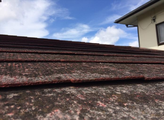 横浜市中区で屋根の調査、化粧スレートの劣化が進行しすぎると塗装の効果は期待できない3