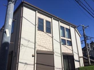 横浜市戸塚区上倉田町で窯業系サイディングの外壁を、プレミアムシリコン(SR-408,SR-410)で新築のような輝きになりました、施工前写真