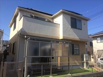 横浜市神奈川区片倉で、外壁をジョリパットフレッシュインフィニティ、屋根をサーモアイ4Fで塗装しました、施工前写真
