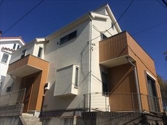 横浜市戸塚区原宿でスレート屋根と窯業系サイディング外壁のメンテナンス、サーモアイ4F(クールローズブラウン)とプレミアムシリコン(SR-161)(AC-1923)で塗装しました、施工後写真