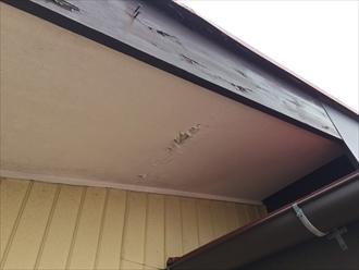 木製の破風板や鼻隠し板の塗膜が剥がれるなら破風板板金巻き3