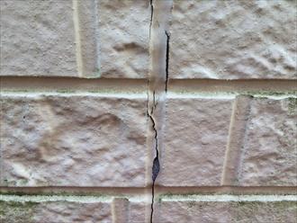 コーキングを打ち替えない外壁塗装で塗膜が先に剥がれる5