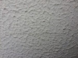 モルタル壁亀裂②拡大