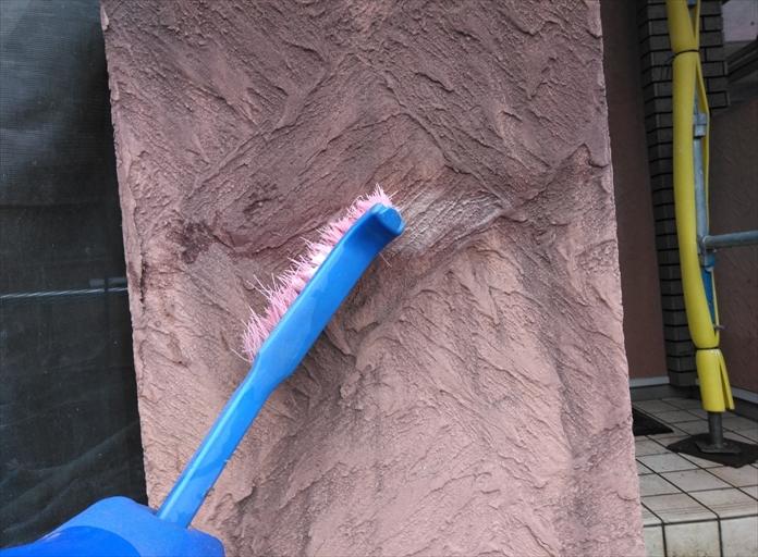 高圧洗浄前に洗浄剤塗布