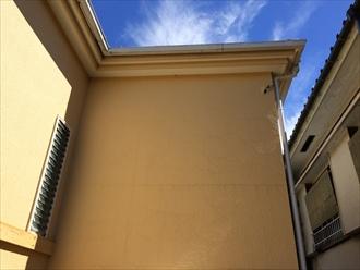 相模原市南区の塗り替え調査で築22年のモルタル壁の亀裂