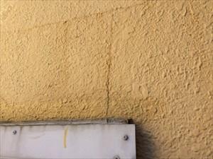 モルタル壁亀裂①