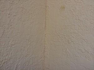 モルタル壁亀裂④拡大