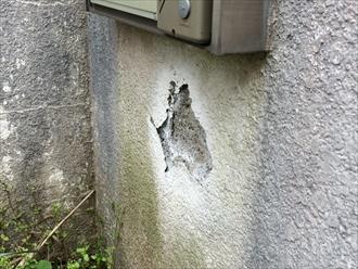 鎌倉市門まわりの壁が剥がれ落ちても修復して塗り替えます