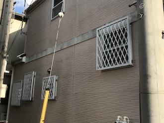 川崎市幸区戸手にてお住まいの点検調査、屋根や外壁に苔が見られたら塗り替えを検討しましょう