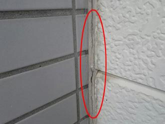 横浜市保土ケ谷区 外壁塗装前の点検 コーキングがひび割れしている