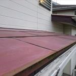 横浜市緑区で平葺き鉄板屋根と瓦棒屋根の錆発生