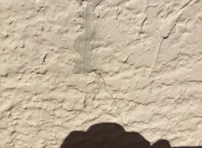 横浜市戸塚区でモルタル壁の外壁調査、亀裂の発生は雨漏り危険性4