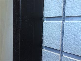 横浜市西区の窯業系サイディングの住宅調査、コーキングの劣化やコーナーに隙間は外壁塗装すべき目安です