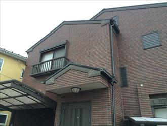 横浜市金沢区で塗り替えサイクルが長く費用の削減も可能なプレミアムシリコン(SR-111)を使用した外壁塗装、施工前写真