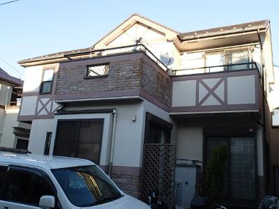 川崎市中原区|外壁と屋根、バルコニーの塗装で新築のような美しさに、施工前写真