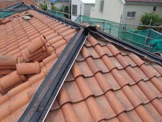 横浜市青葉区 屋根工事 タッカーで固定