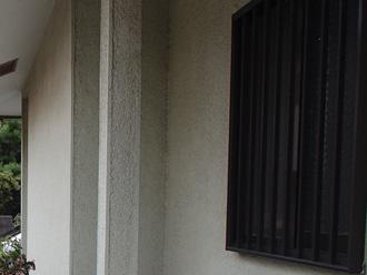 川崎市宮前区 外壁塗装前の点検 汚れで灰色がかって見える