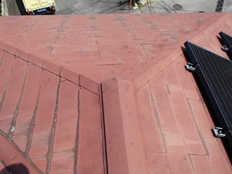寒川町小動にて遮熱塗料サーモアイ4Fで太陽光の載ったスレート屋根を塗装、施工前写真