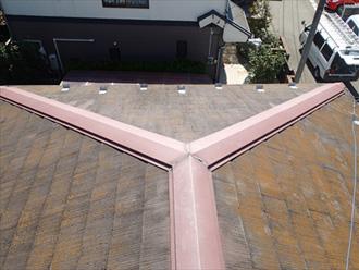川崎市麻生区 屋根の点検 苔が生えている