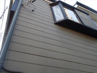 川崎市麻生区 外壁の点検 くすんだ色になっている