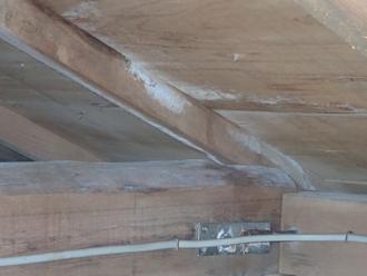 川崎市宮前区宮崎でスレート屋根を塗装後、雨漏りするようになったとご相談