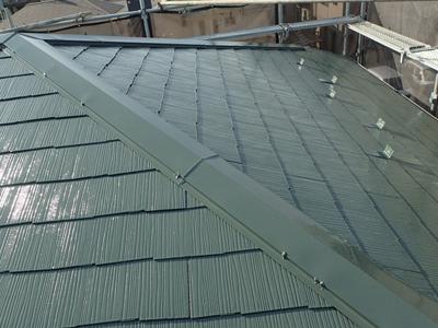 補修され、尚且つ塗装された屋根