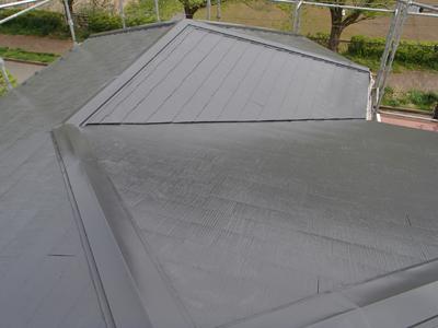 大磯町生沢で粗悪な屋根塗装をされたスレート屋根に塗り直し、施工後写真
