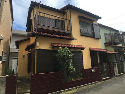 好みの色に塗装された中古住宅