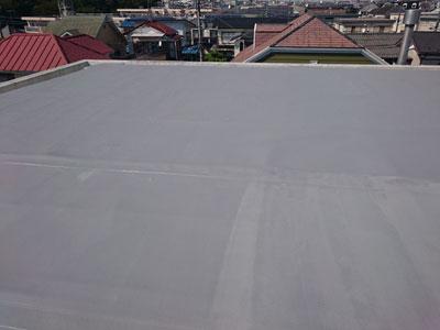 茅ヶ崎市松林で陸屋根のシート防水が剥がれてきたのでポリマーセメント系塗膜防水で改修、施工後写真