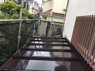 屋根塗装でリフレッシュされた瓦棒屋根