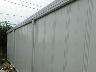 三浦市三崎町でガルバリウム製のガレージ兼倉庫の雨漏りを改修して塗り替え、施工後写真
