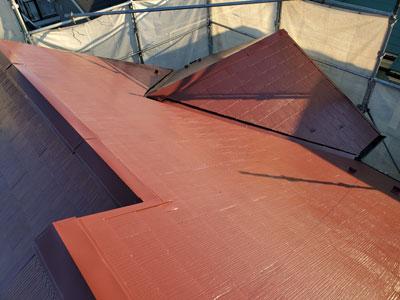 ファインパーフェクトベストで塗装されたスレート屋根
